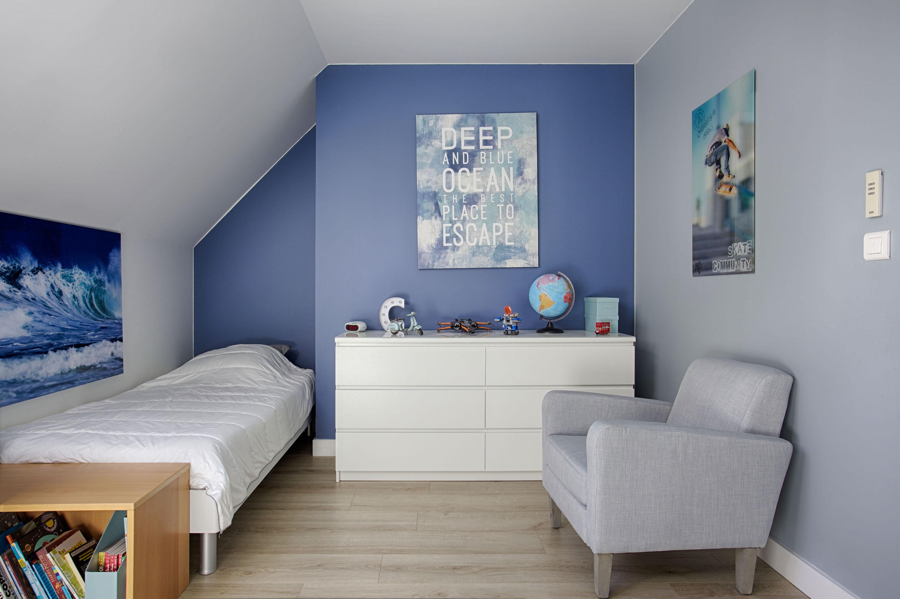 Du bleu pour une chambre d'enfant par Peggy Guezello 1001 idées