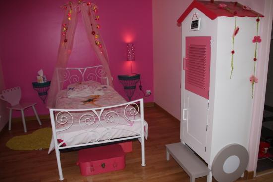 Chambre fille vert et rose for Decoration pour album photo