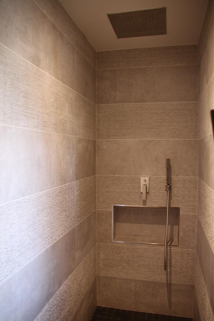 Niche d'une douche à l'italienne
