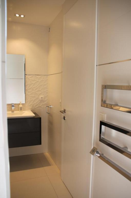 Sèche serviette design pour salle de bains élégante