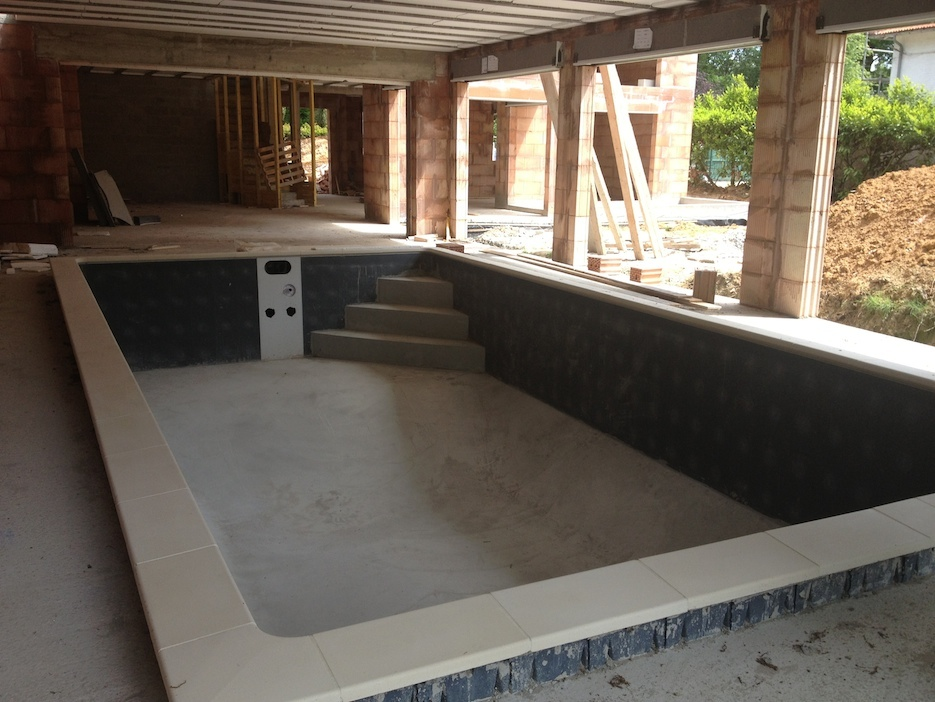 Agencement et am nagement int rieur for Piscine carree miroir