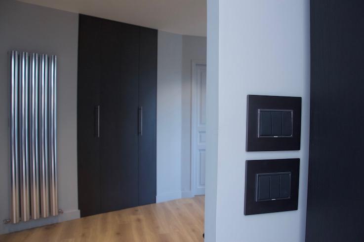 Radiateur design, porte de placard design, interupteur design