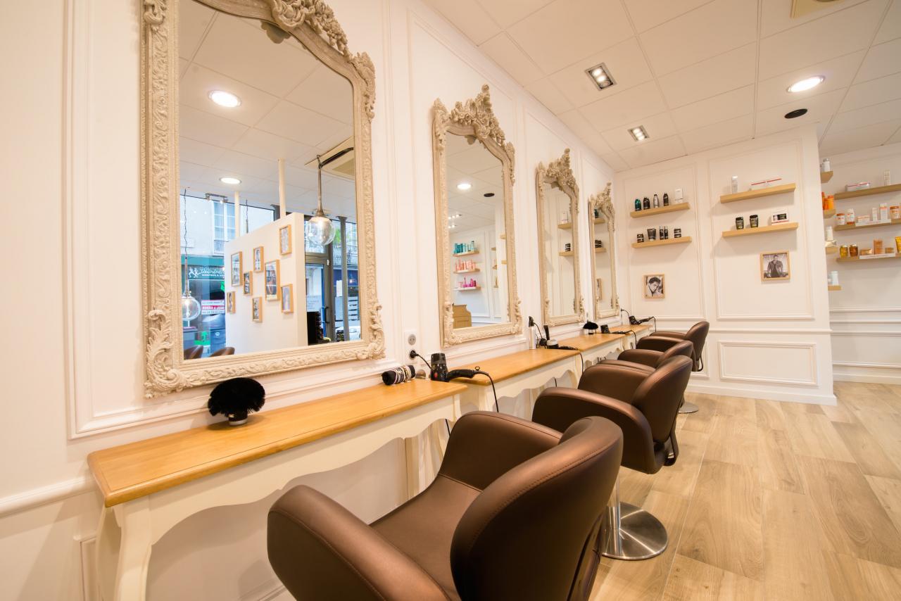 Salon de coiffure for Chaine de salon de coiffure