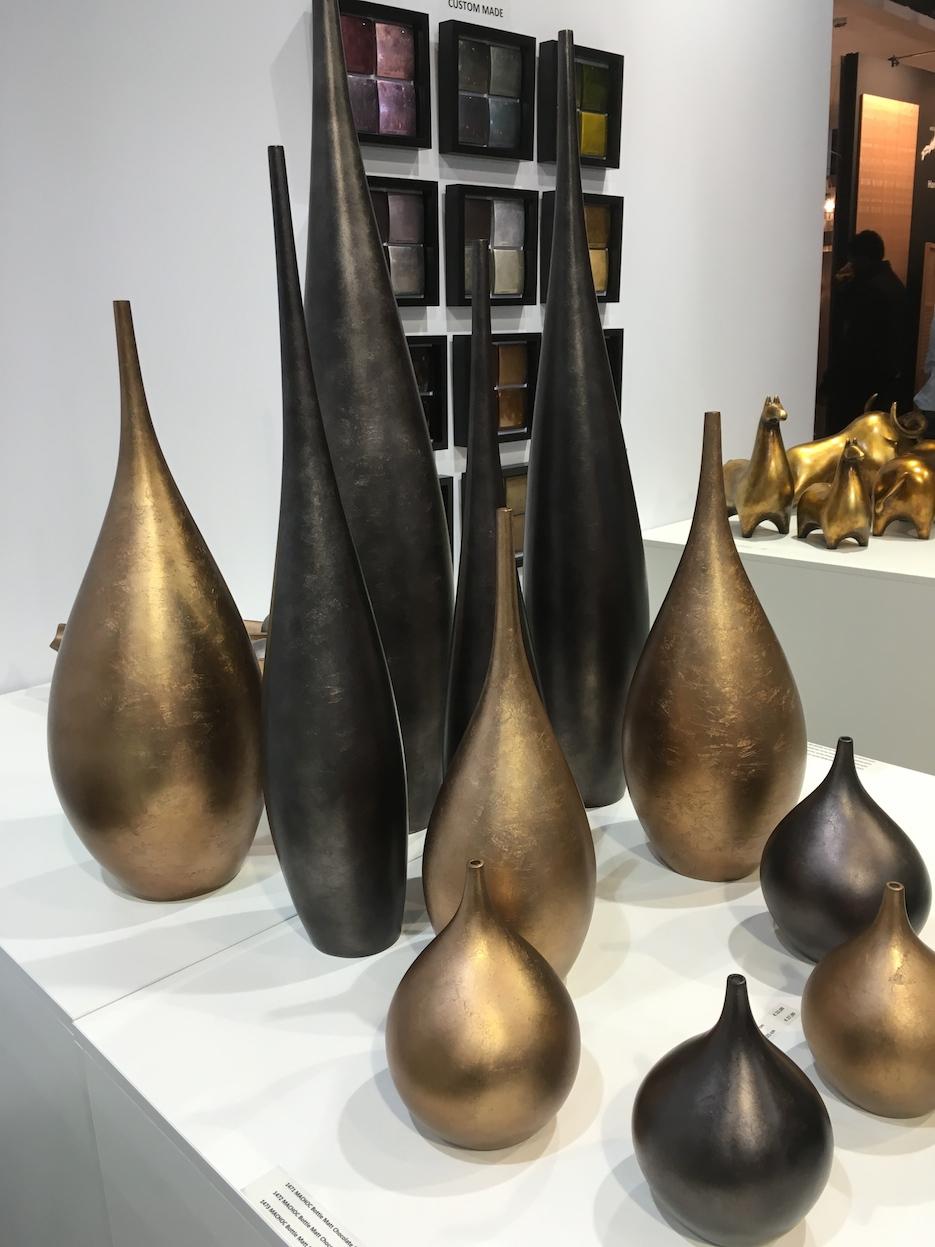 Vase noir et or