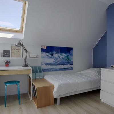 Chambre d'adolescent avec salle de bains