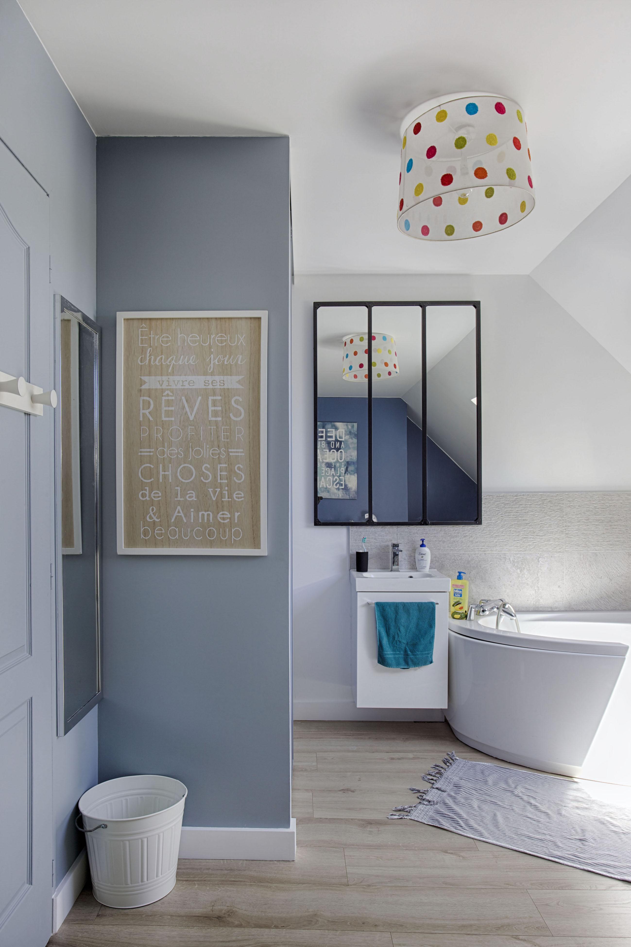Déco chambre et salle de bains par Peggy Guezello