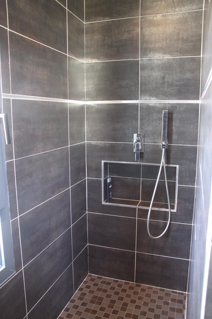Salle de bains design, douche à l'italienne