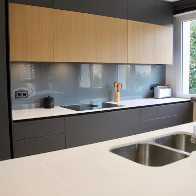 Modernisation d'une maison avec cuisine ilot et verriere