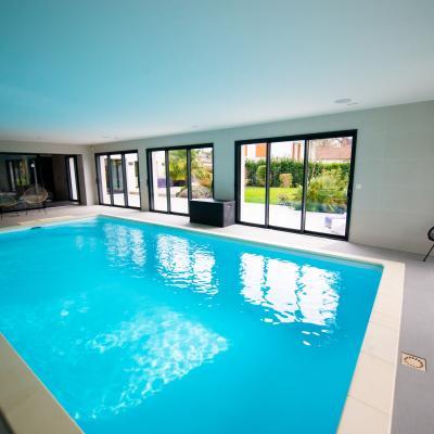 Agencement et décoration d'une villa avec piscine intérieure à Morsang 91