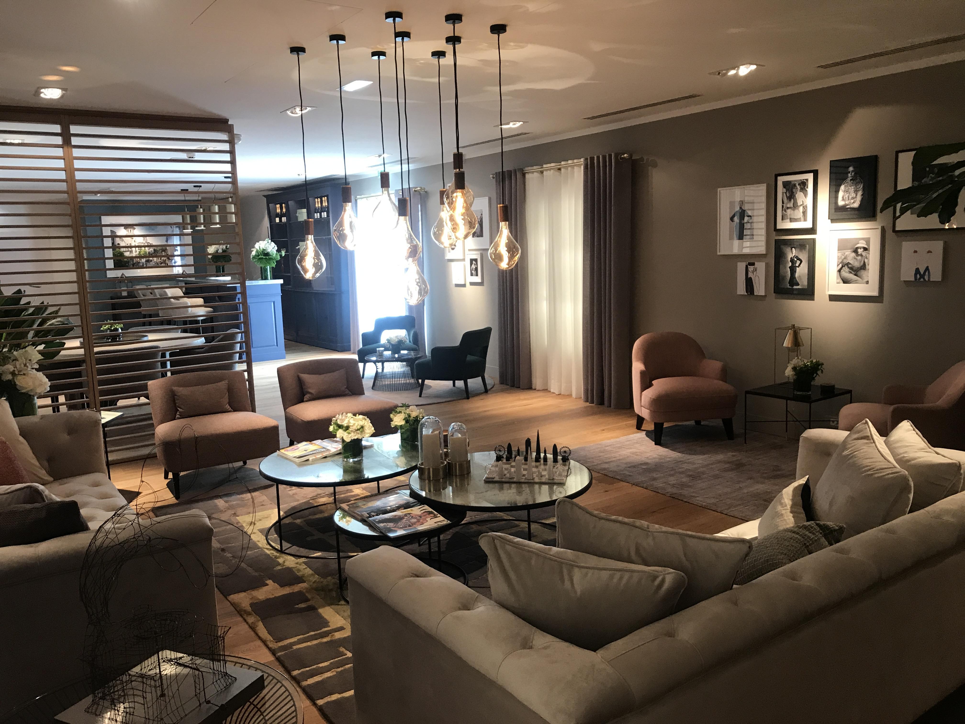 Peggy Guezello 1001 idées Espace VIP avec bar luxe