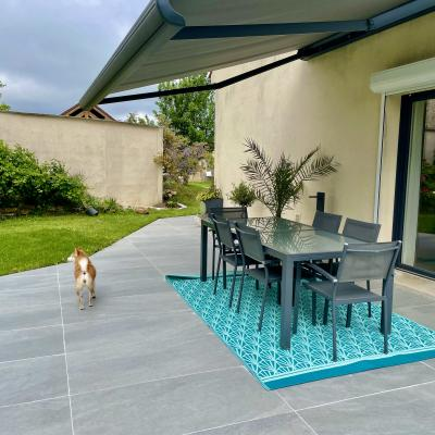 Peggy guezello ame nagement de jardi et terrasse avec store ban