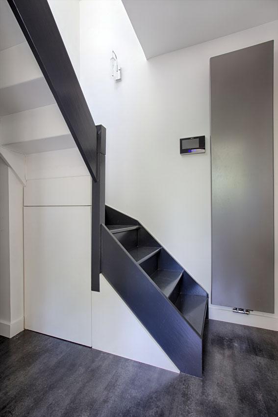 Rangement sous escalier moderne par Peggy Guezello 1001 idées