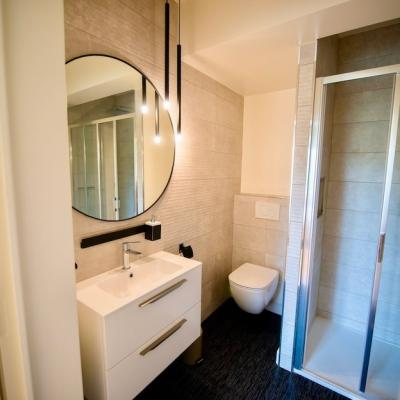 Salle de douche moderne peggy guezello