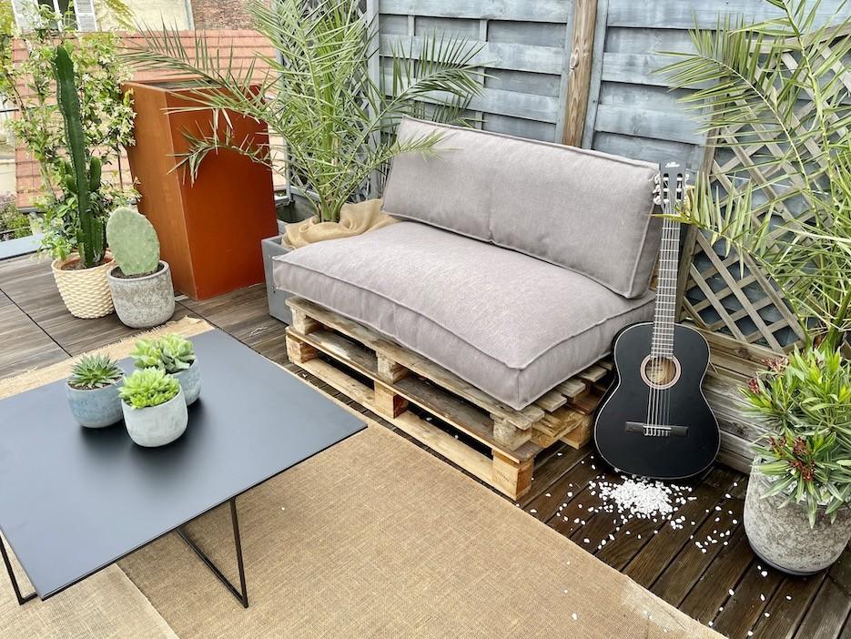 Terrasse avec banquette en palette